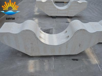 Glass furnace structure and various parts of refractory materials