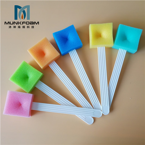 debridement sponge brush