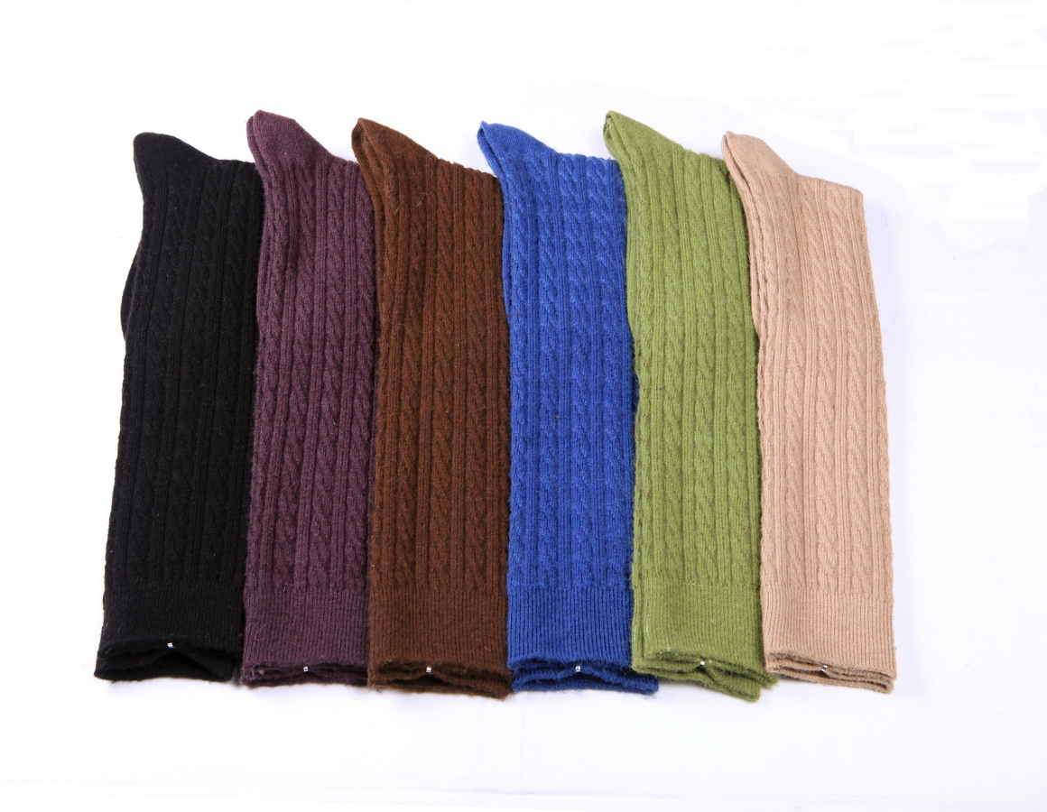 Women's basic style textured cable wool & cashmere blend knee high socks