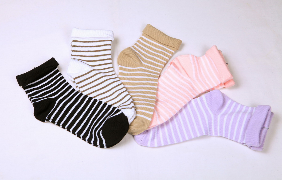 Women's 144N super soft micro-polyester anklet socks with turned cuff