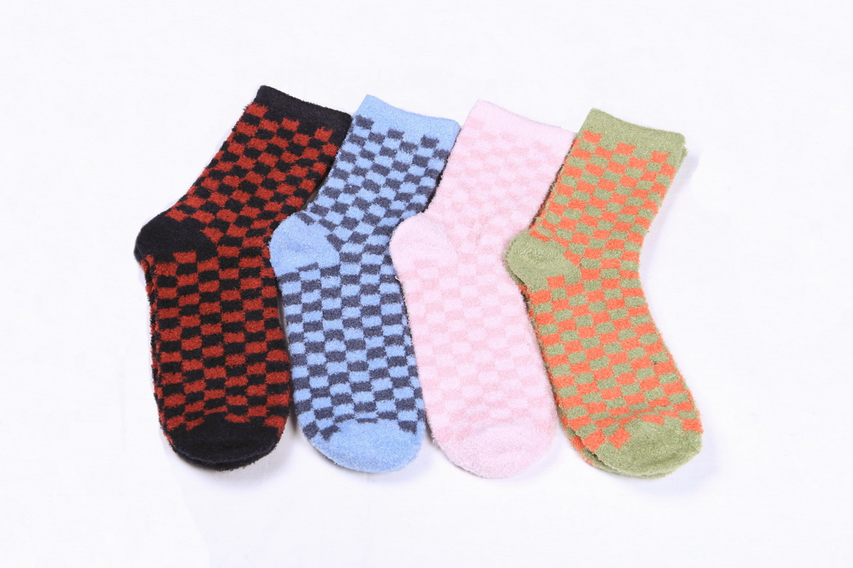 Super soft women's nylon feather crew length socks