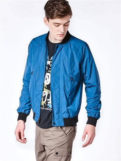 Guangdong ProvinceClothing categoryA low price apparel