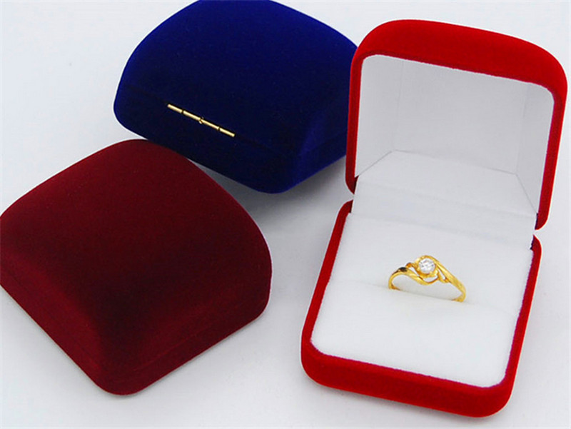 Luxury engagement/wedding rings jewelry box manufacturer