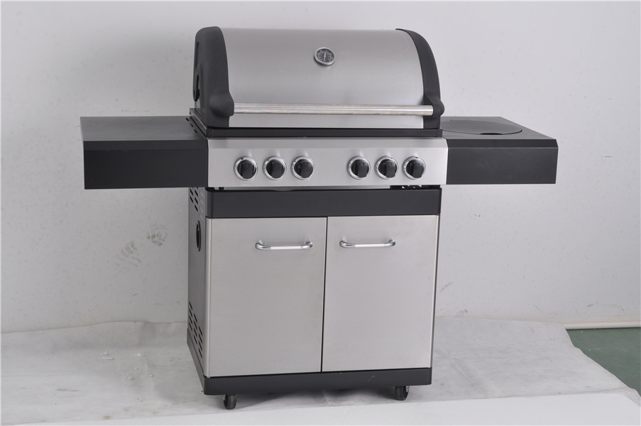 4-Burner freestanding Propane Gas Grill with Side burner and rear infrared burner