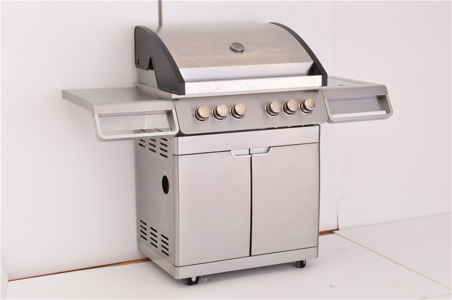 4-Burner freestanding Steel Outdoor Gas Grill with  doors