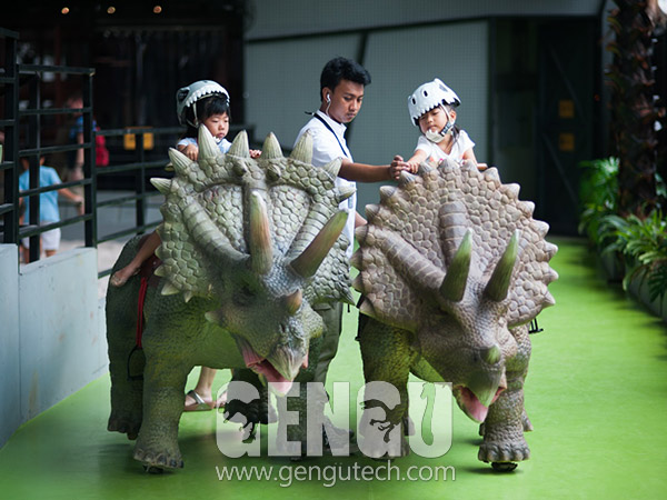 Triceratops Walking Ride