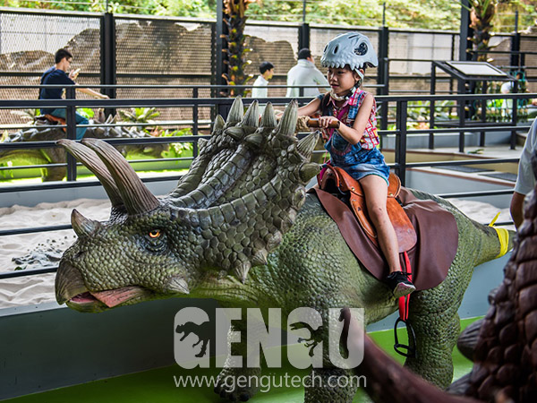 Anchiceratops Walking Ride