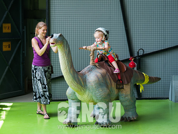 Apatosaurus Walking Ride(#GG-1857)