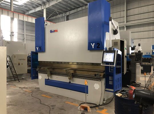 MB8 3+1 Axis CNC Automatic Servo Press Brake -DA58T
