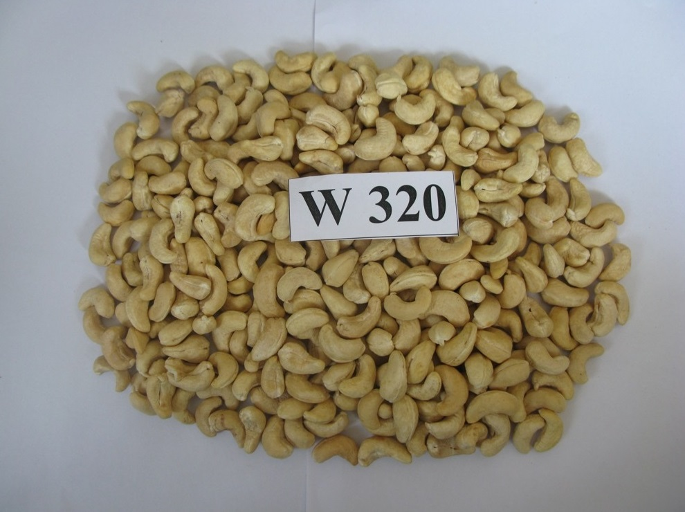 Cashew Nuts / Wholesale Price Cashews WW 320