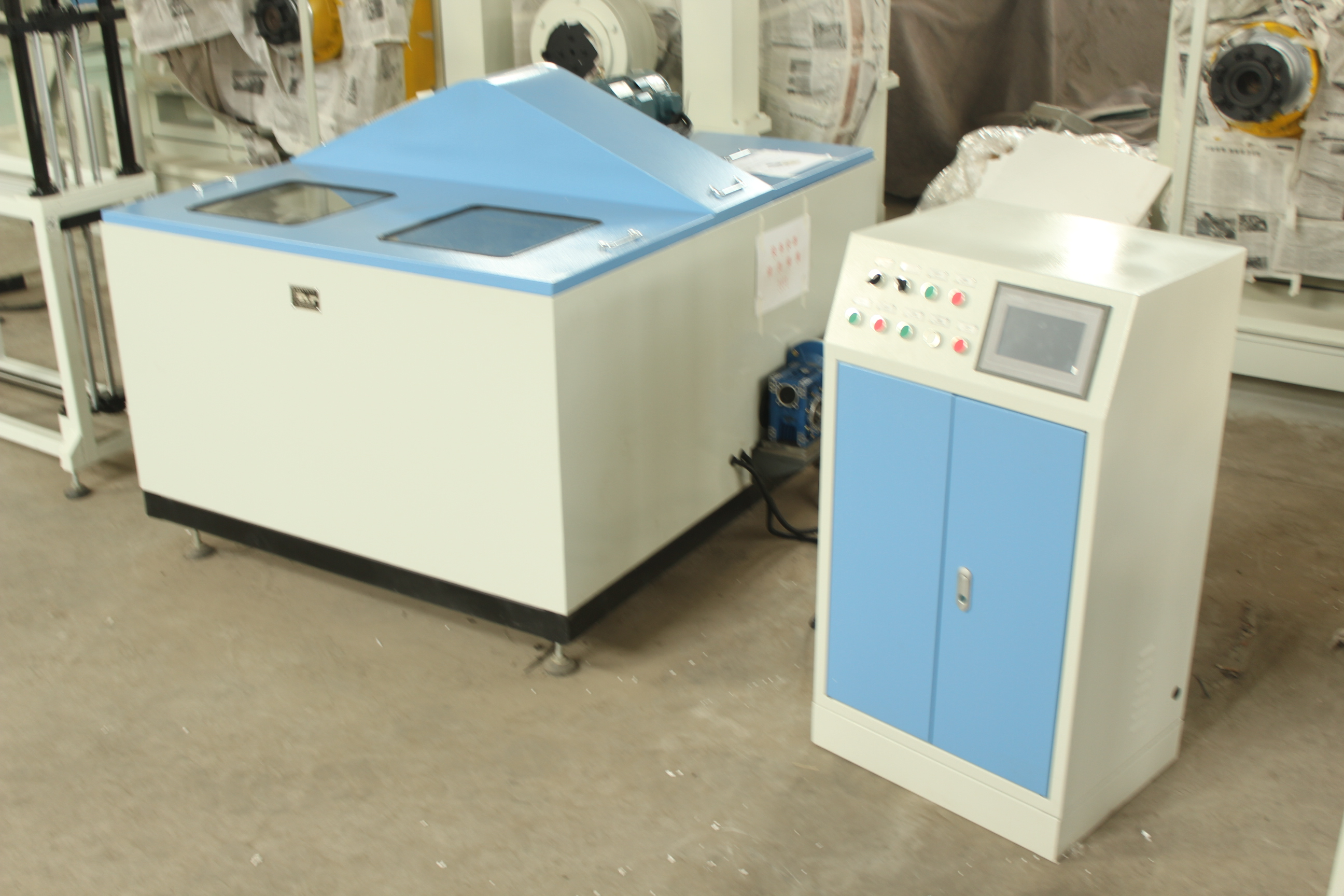 Dust proof performance test bench for roller