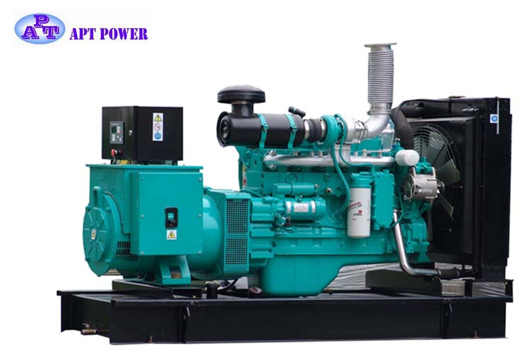 495kVA Super Slient or Open Type Cummins Diesel Generator in Water Cooling with ISO