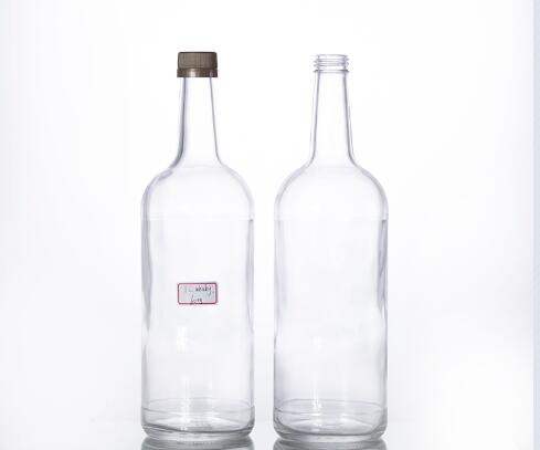 1L round glass whisky bottle with screw cap