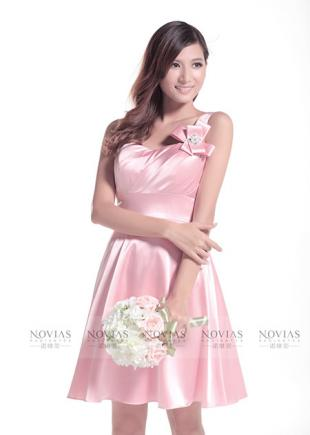 Pink bridesmaid dress with hand-made flower