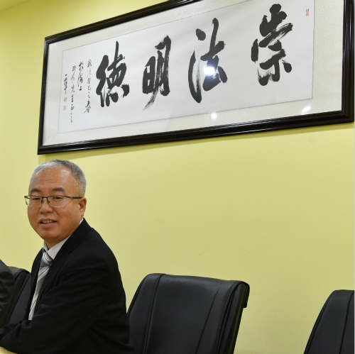 Low-cost, but high-grade chinese investment lawyer