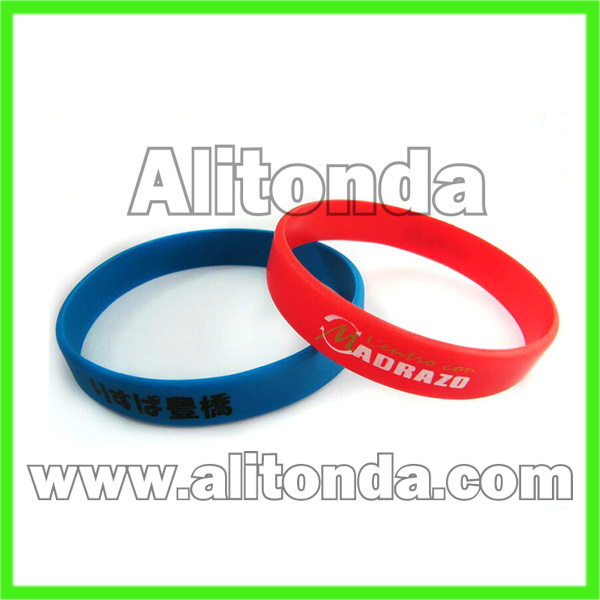 Soft silicone sport wrist for club