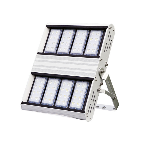 the only led flood light asymmetry lens with 99% lumen maintenance 50000 hours with patented technology