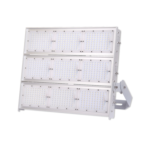ultra performance 140lm/w LED flood light with 10 years warranty asymmetric 10kv L95B10