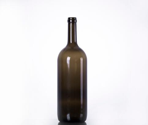 750ml amber champagne bottle with cork finish