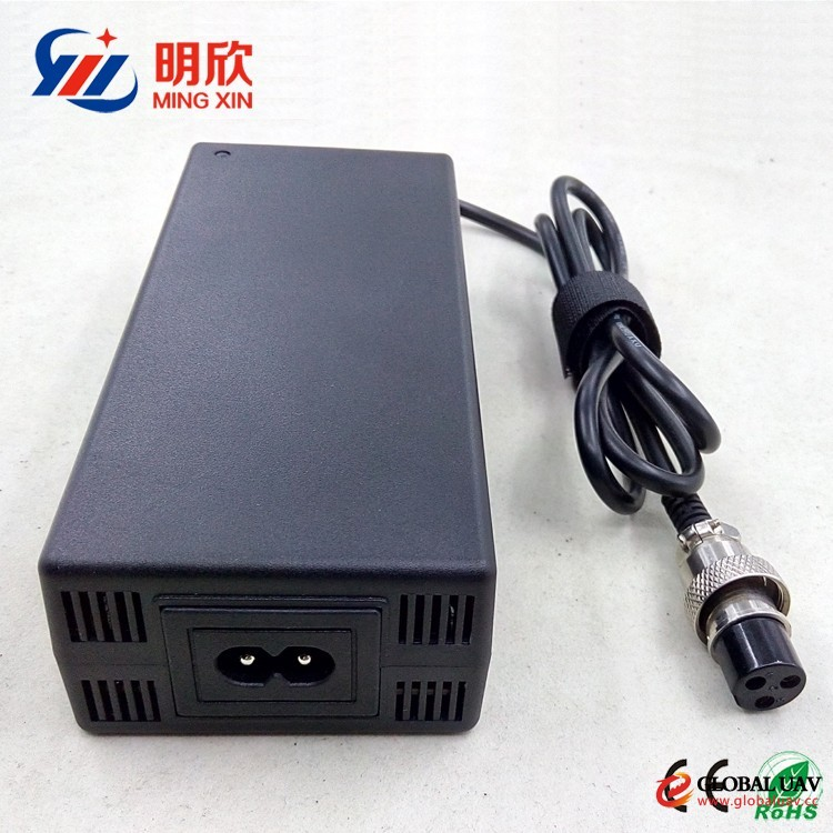 33.6v 5a lithium ion battery charger for golf cart/segay/wheelchair