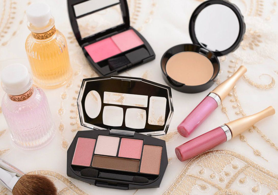 Chinese cosmetics is hot sale in the world.