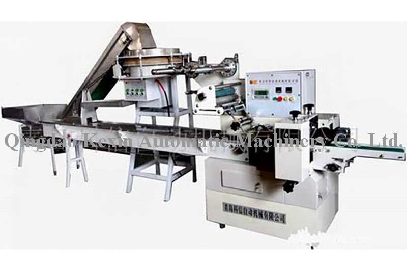 Three side seal Syringe automatic packaging machines with Automatic Feed System