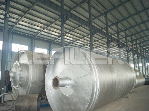 Waste tire raw material to oil extracting machine