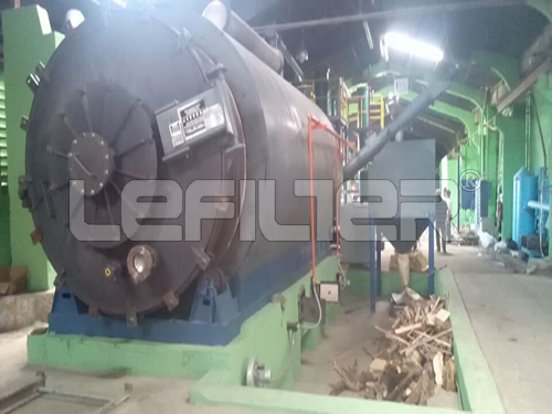 The rubber raw material recycling to oil pyrolysis machine