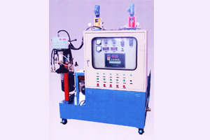 Small Flow Rate Polyurethane Pouring Machine