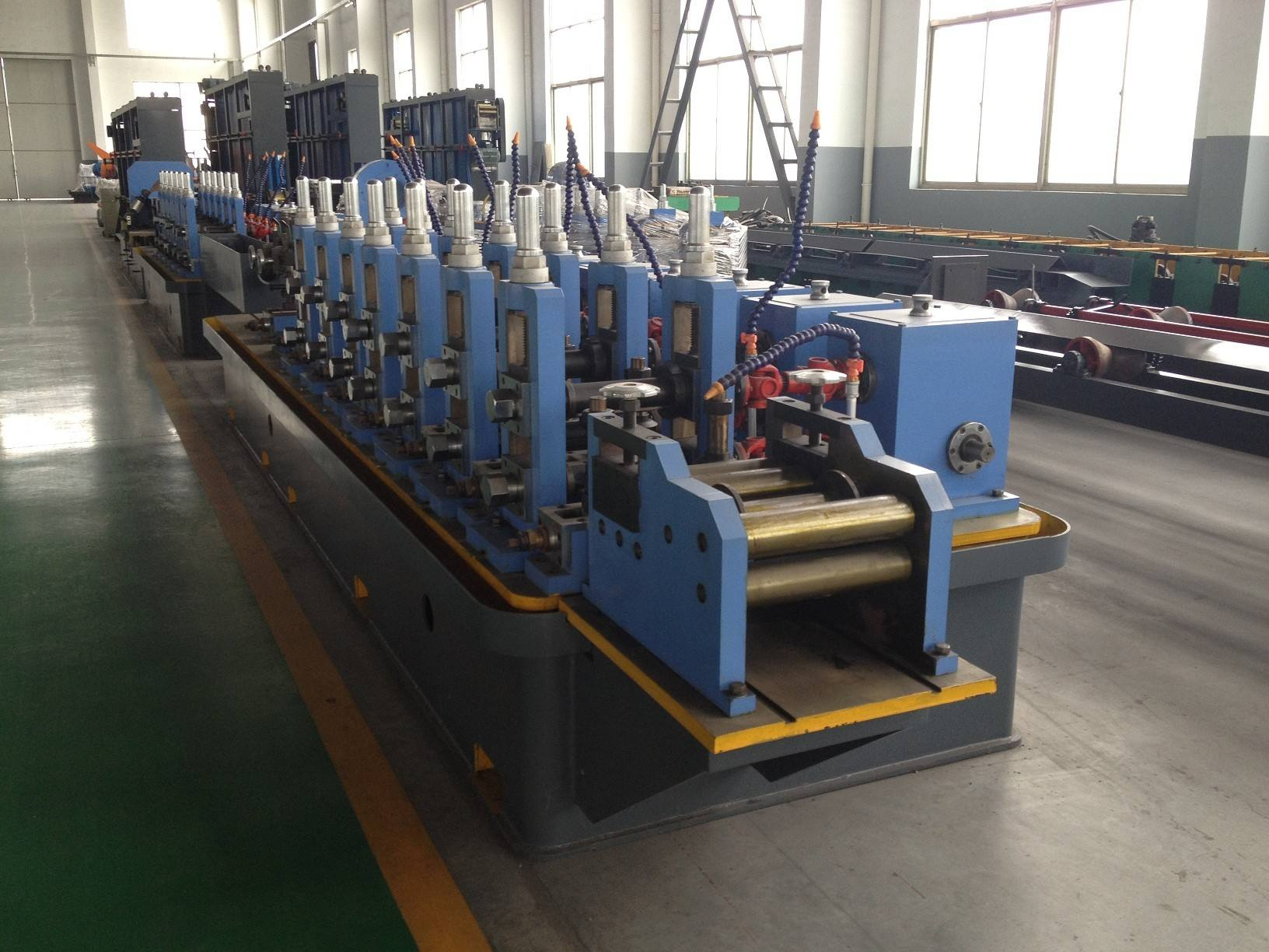 Double metal composite welded pipe mill