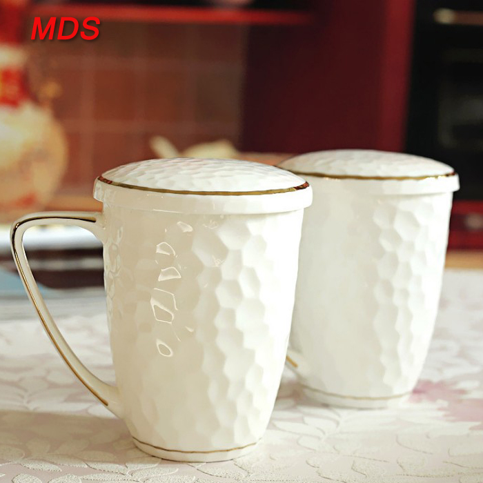 Creative water cube embossed bone china mug with gold rim and lid