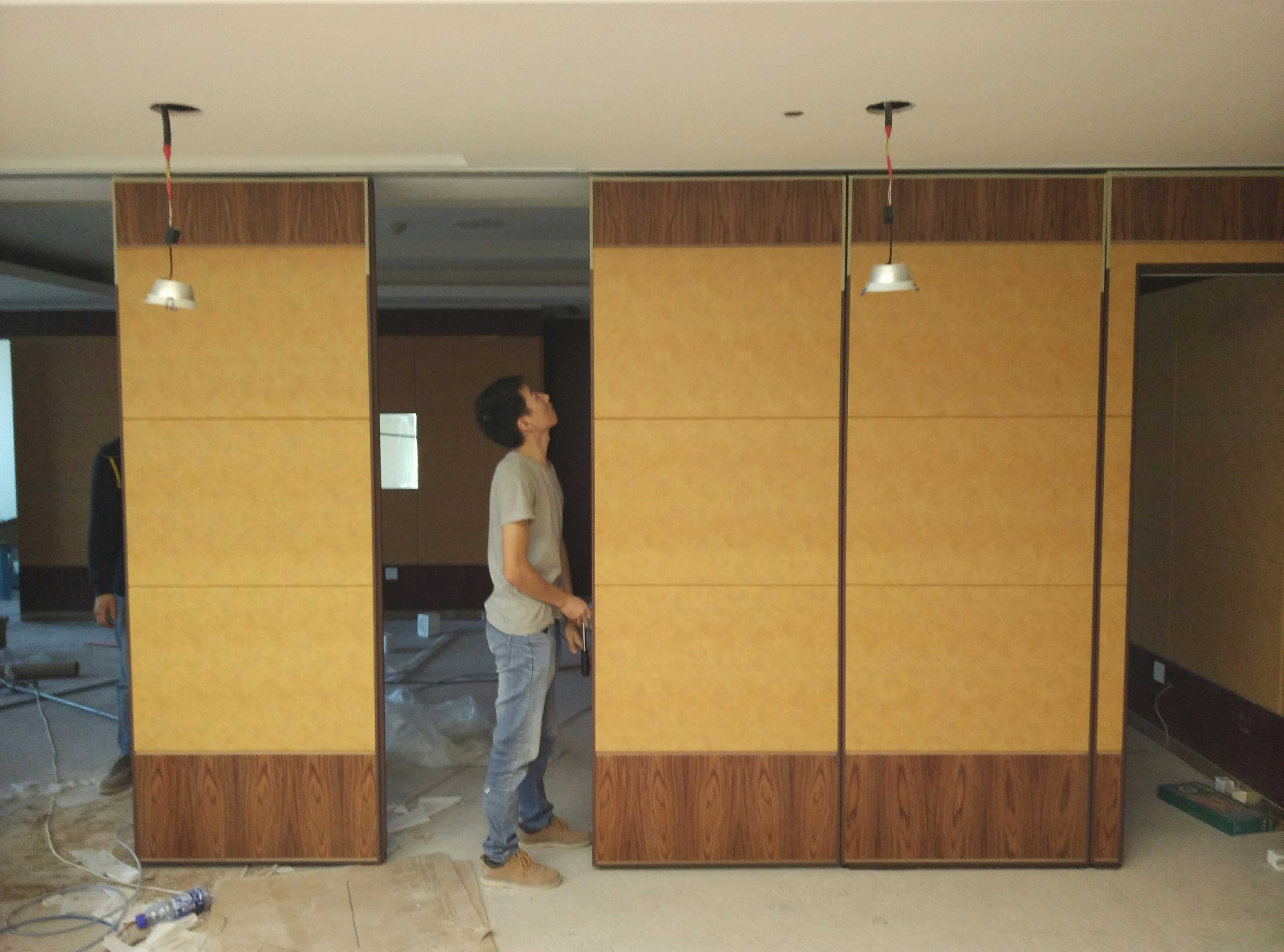 Free CAD Drawing Hotel Banquet Hall Soundproof Room Divider Sliding Folding Partition Operable