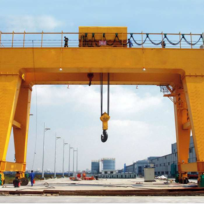 Rail mounted beam lifter crane for Girder Field Gantry Crane