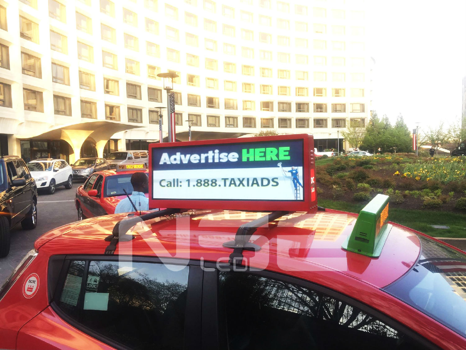 NSE LED Group Taxi Top Advertising Display In USA  Bus LED Display