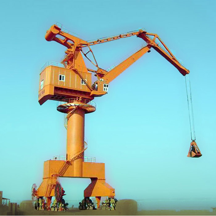 Rich exporting experience mobilizable/fixed portal slewing crane shipyard crane