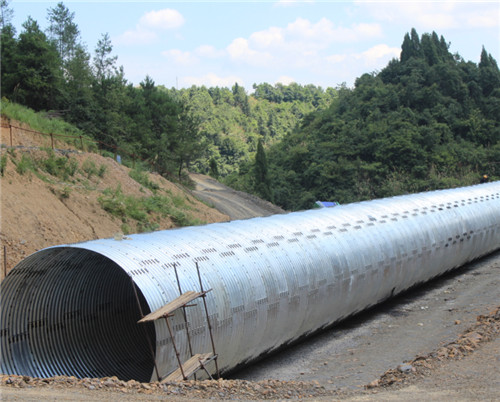 Assembled corrugated steel pipe