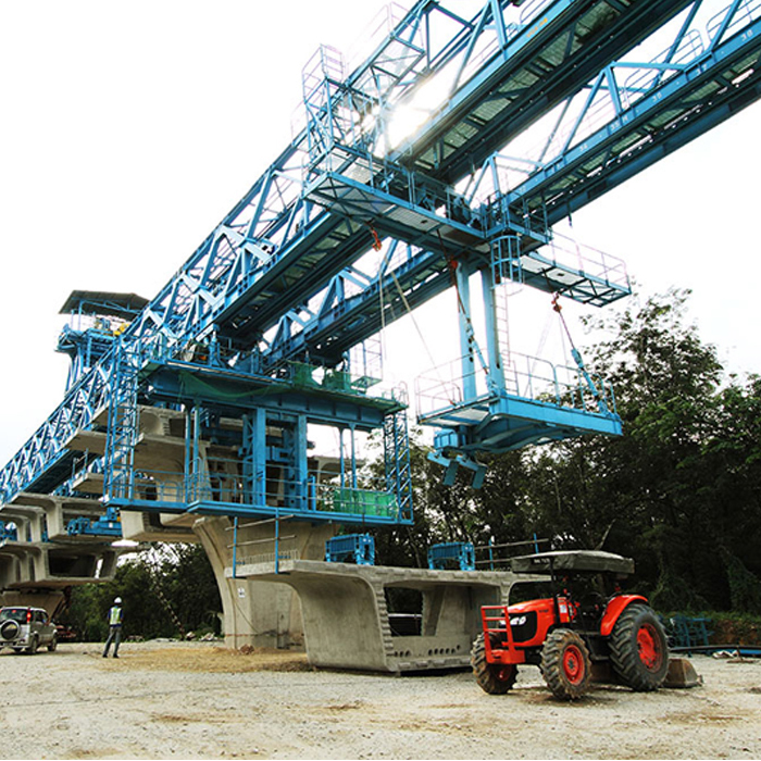 Segmental assembly concrete 1500T launching gantry machine for highway project
