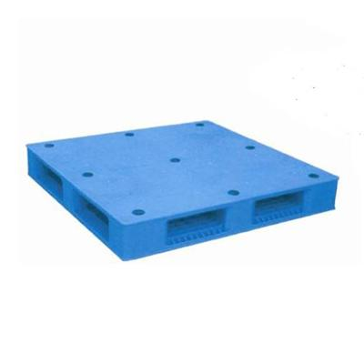 6 Runners Closed Top Plastic Pallet