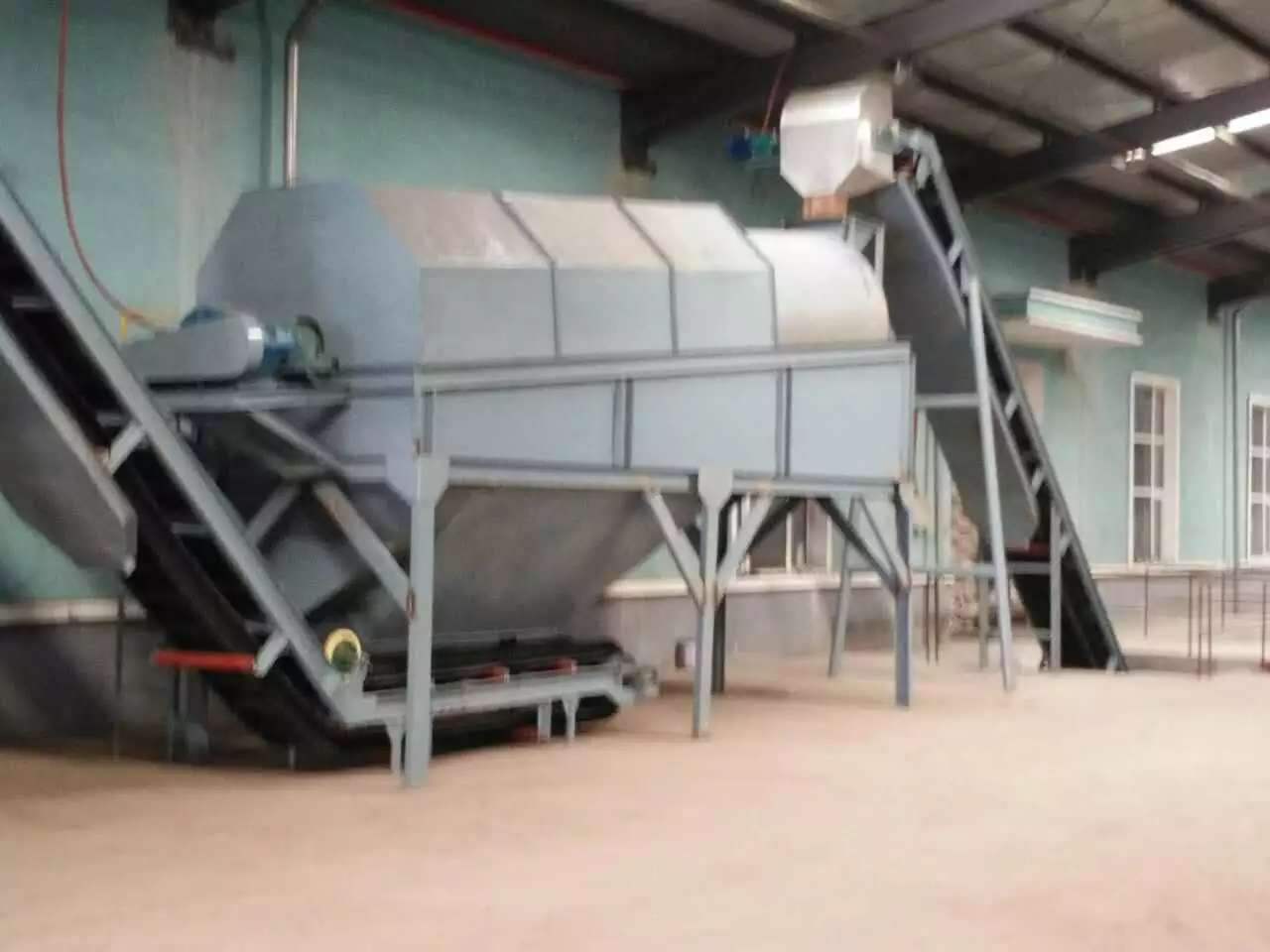 Fertilizer mixing equipment