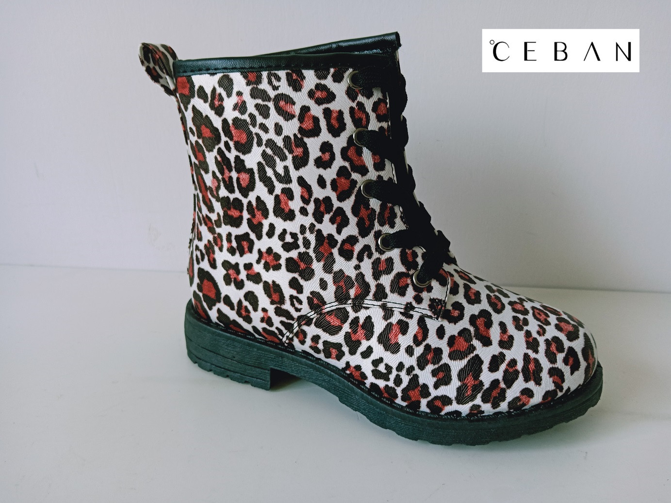 Girl's leopard pattern injection lace boots