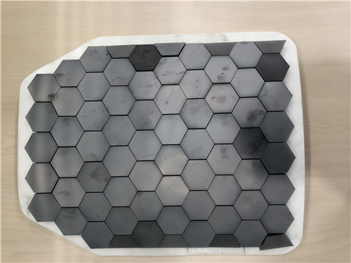 China Factory Price sintered silicon carbide bulletproof ceramic plate manufacture