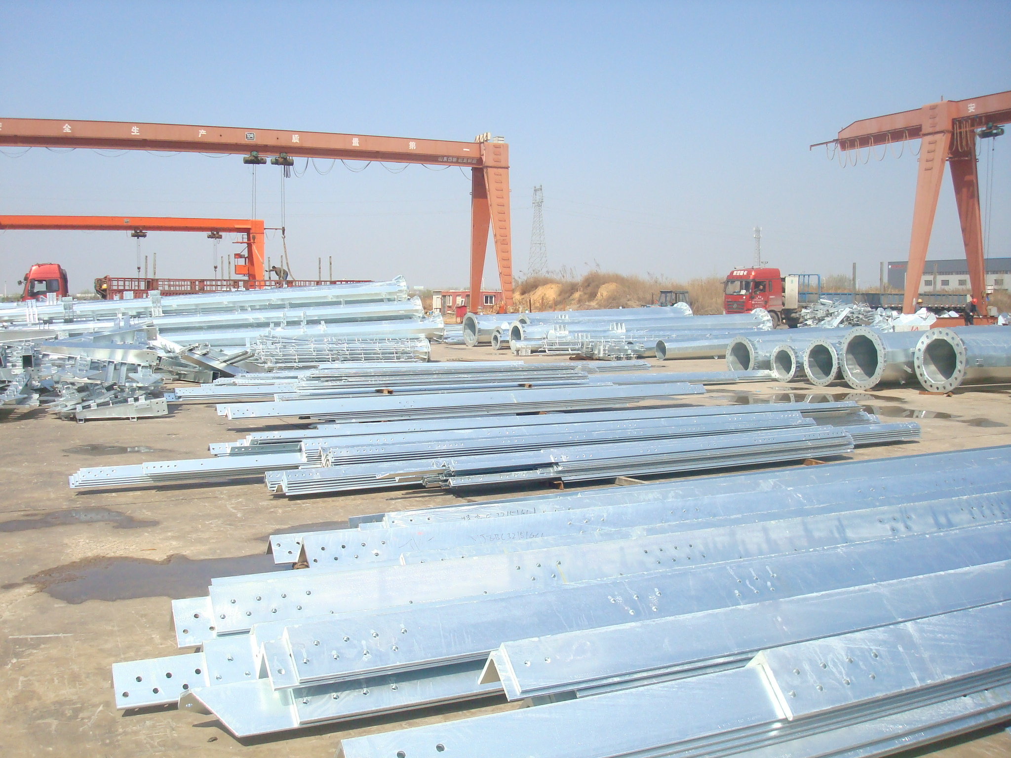 Three-Column Steel Pipe Communication Tower