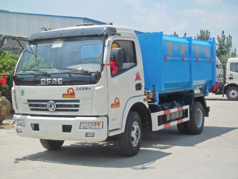 4X2 Dongfeng 5m3 Hook Lift Garbage Trucks