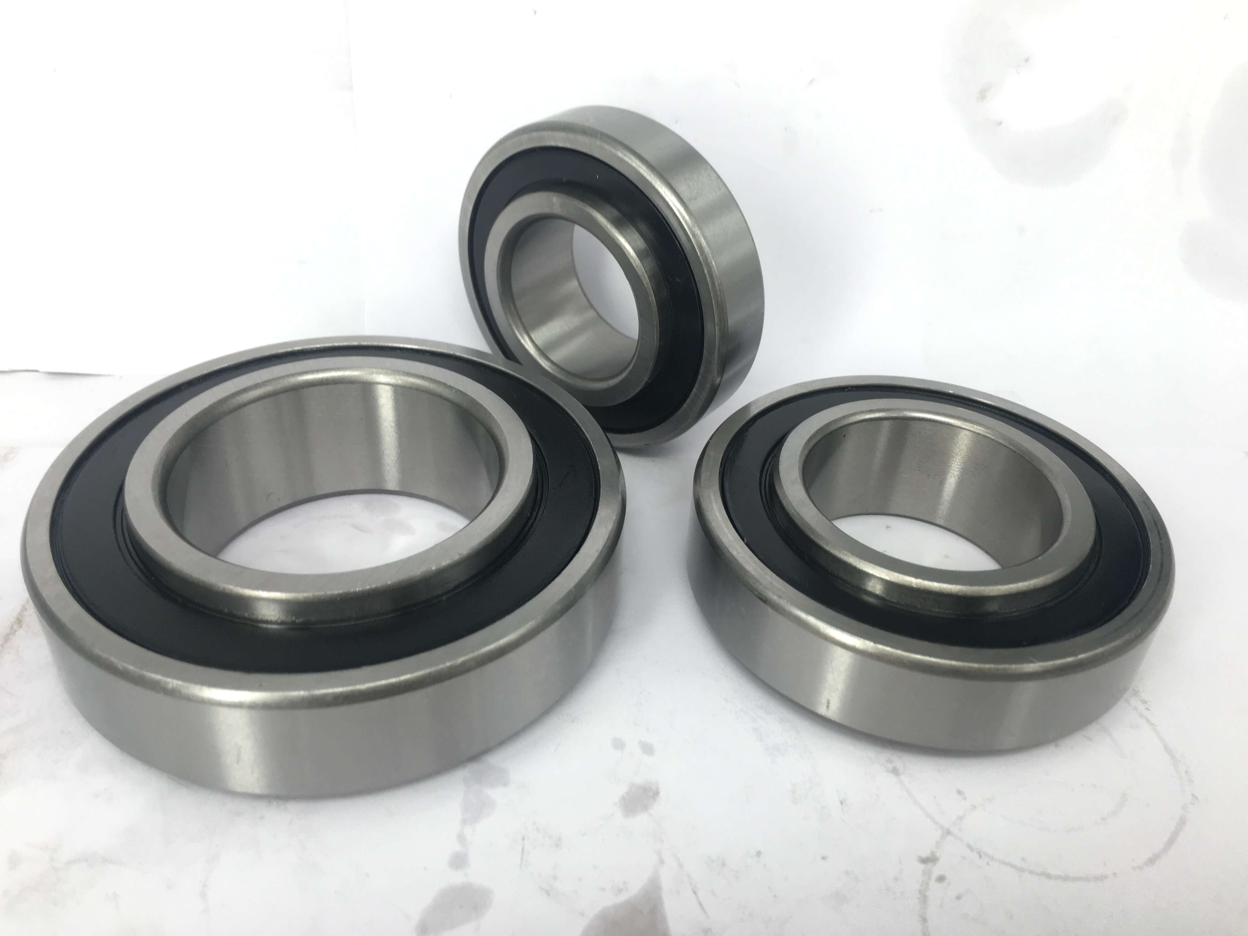 High Mechanical Efficiency Radial Spherical Bearing Printing Machine Parts 22206M
