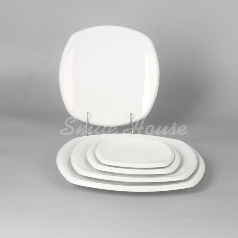 Different size ceramic dinner plates and kitchen ceramic