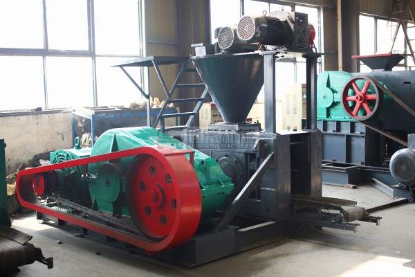 Quicklime powder briquette machine