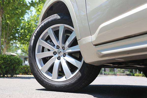 There are four reasons for high-speed tire bursts