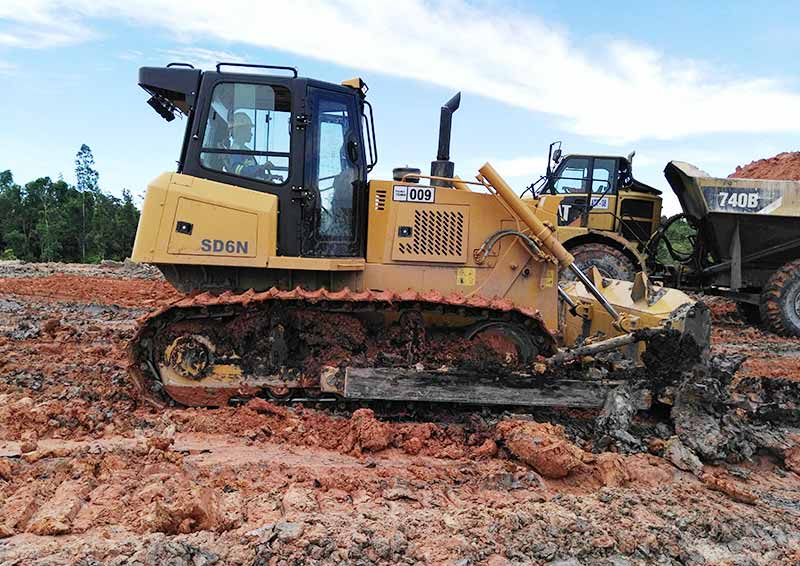 Easy Maintenance Open View Bulldozer Equipped With Torque Converter