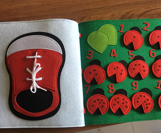 Customized soft felt Fabric quiet book: