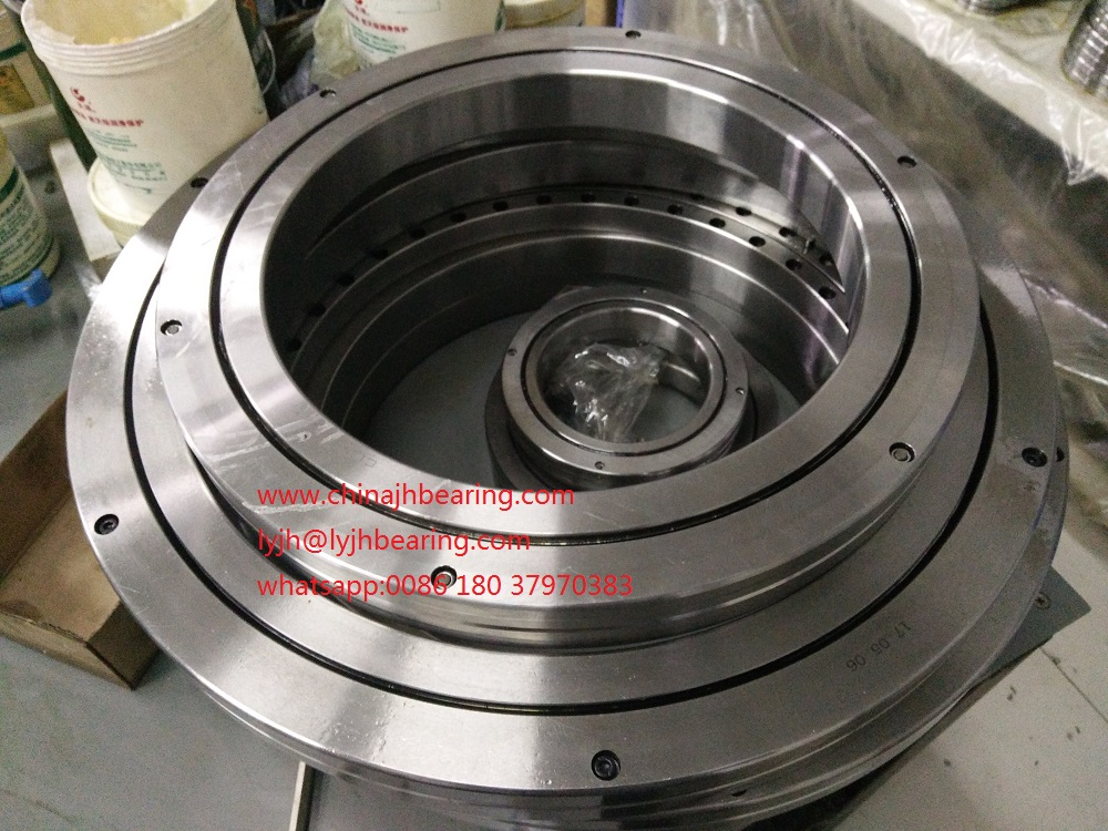 XR678052P4  Crossed tapered roller bearing 457.2x330.2x63.5 mm in stocks